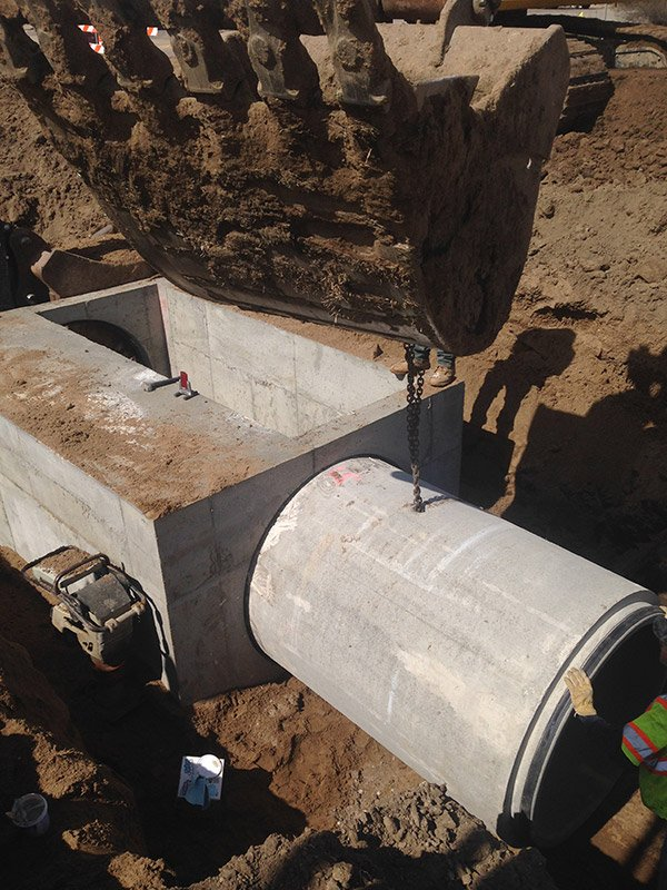"""Yankton box 48"""" RCP installation into gasketed inlet"""